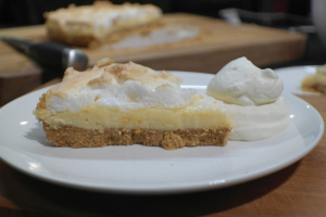 lemon meringue pie with biscuit base