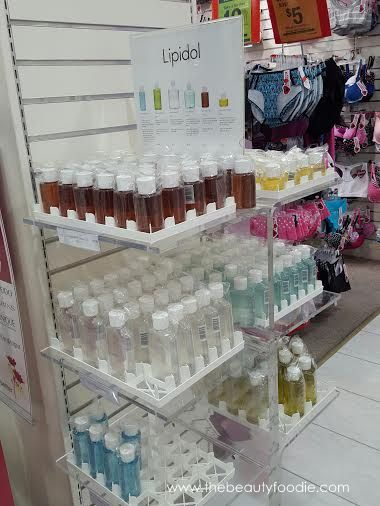 lipidol cleansing face oil stand
